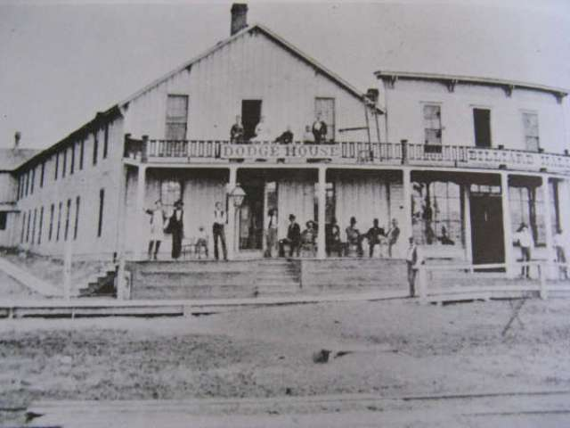 Dodge House Hotel, Dodge City